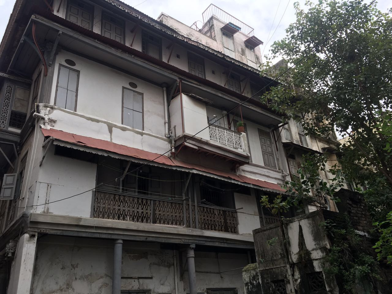 Kitchen Gallery Surat Gujarat: The Architecture Of Houses In The Motipol Locality, Old