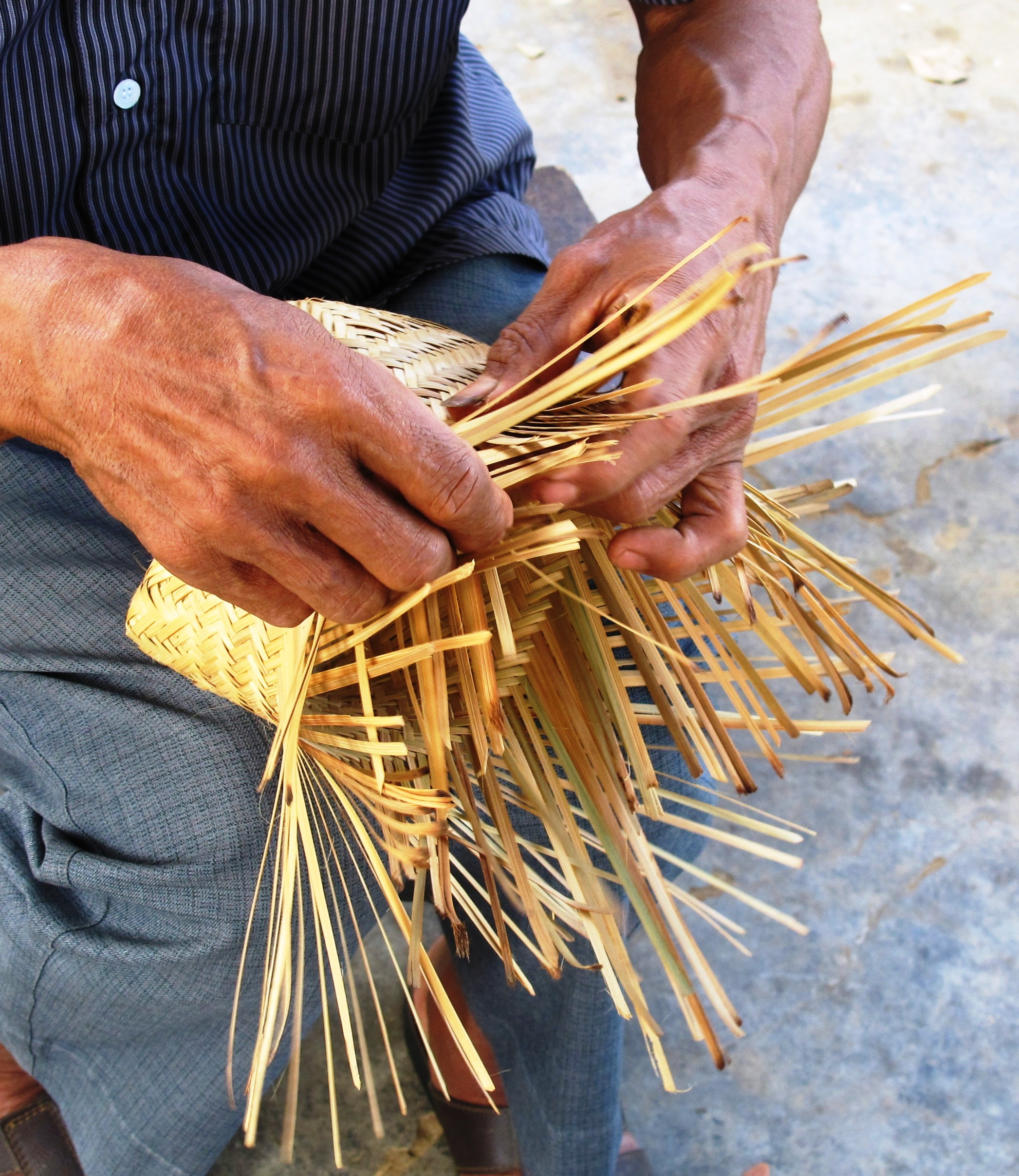 Basket Weaving With Bamboo : Basket weaving of nagaland sahapedia