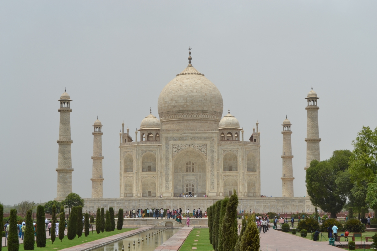 five lines on taj mahal