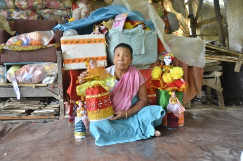 Khongbantabam Thoibi, 66, with her finished laidhibi (Courtesy: Akoijam Sunita)