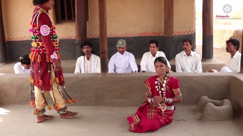Embedded thumbnail for Gopichanda performed by Dani Ram Banjare and Janaki Bai Banjare