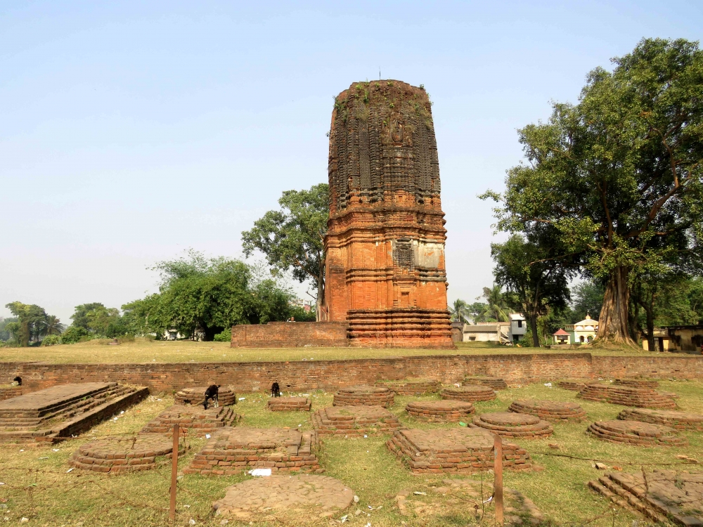 Siddheswar temple, Bahulara, with stupa bases in front