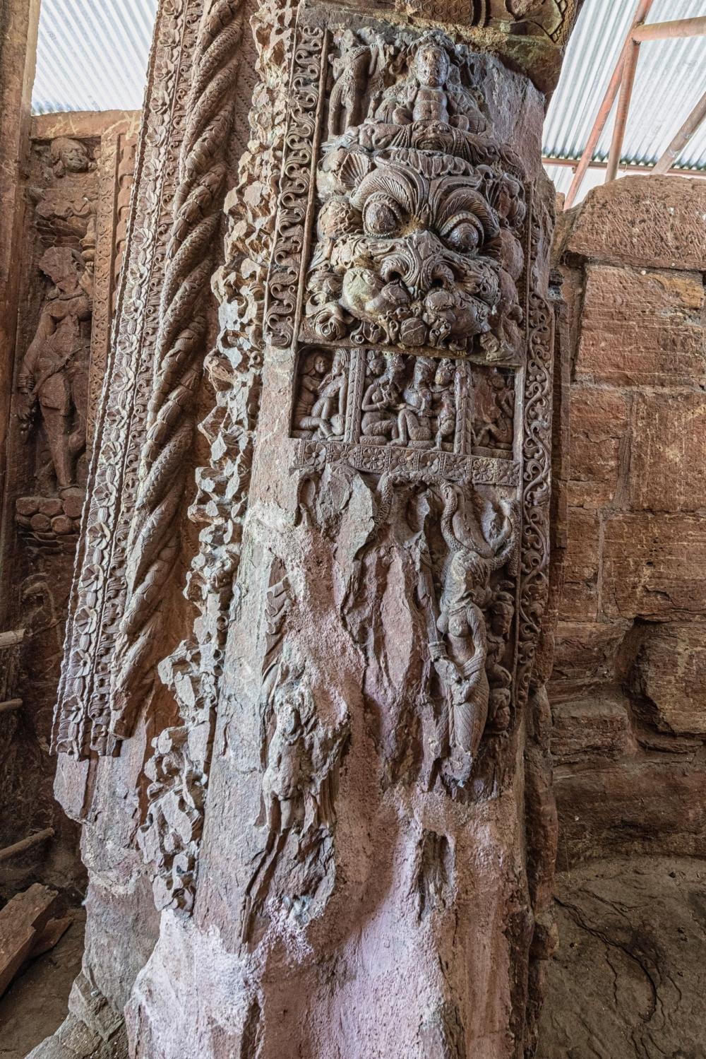 Kirtimukhs detail on the inner face of the jamb