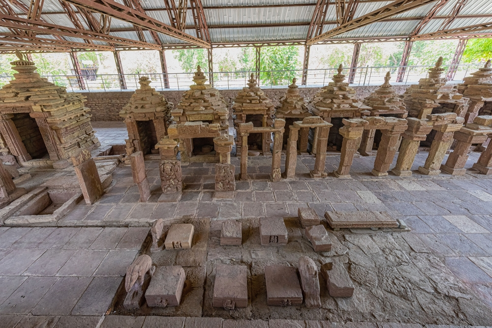 Temples reconstructed from debris