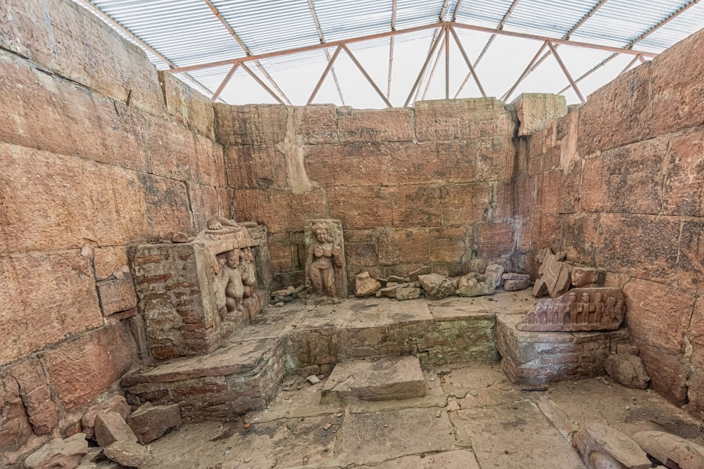 antechamber/sanctum of the temple with dislodged sculptures