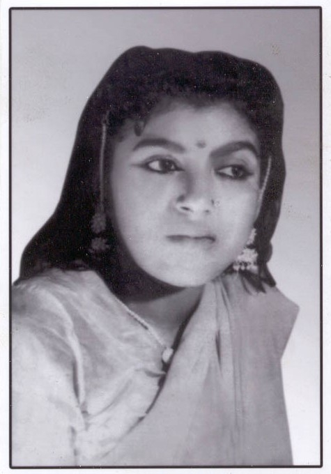 Fig. 4: Sukhbadan, popular heroine in the Great Gulab Theatre Company during the 1960s (Courtesy: Deepti Priya Mehrotra, Gulab Bai: The Queen of Nautanki Theatre, 177).