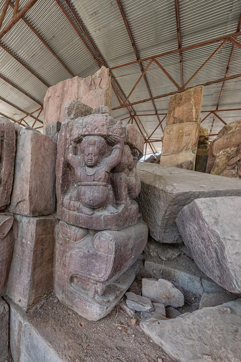 Jethani temple, load bearer