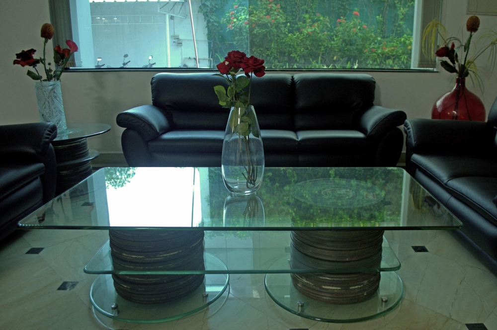 Fig. 5. Film cans used as table legs at AVM Productions office, Vadapalani (Courtesy: Senjuti Mukherjee)