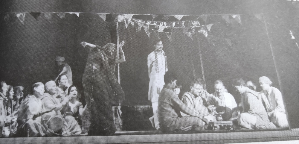 Fig. 9: Several dramatists are contributing to preserving and experimenting with the nautanki form; for instance, Premchand's story 'Budhi Kaki' was produced as a nautanki, scripted by Raj Kumar Shrivastava and directed by Atul Yaduvanshi. They have similarly adapted other stories or plays such as Kalidas's Malvikagnimitram (Courtesy: Raj Kumar Shrivastava, 'Nautanki ki Jeevantata ke Vaste', Kalavasudha, Oct–Dec 2018, 63).