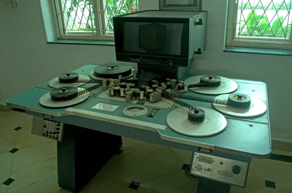 Fig. 5. Steenbeck flatbed editing machine at the AVM Productions office(Courtesy: Senjuti Mukherjee)
