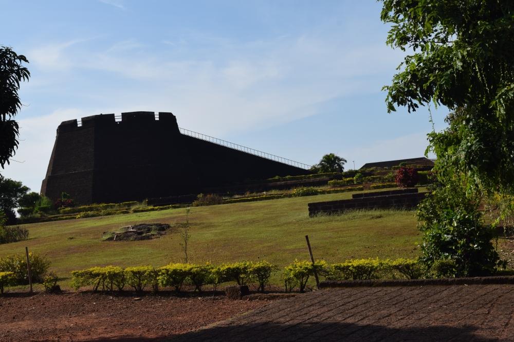 Fig. 1.ബേക്കല്കോട്ടയിലെ നിരീക്ഷണഗോപുരം (ചിത്രം:എം.എസ്. രാഖേഷ് കൃഷ്ണന്)