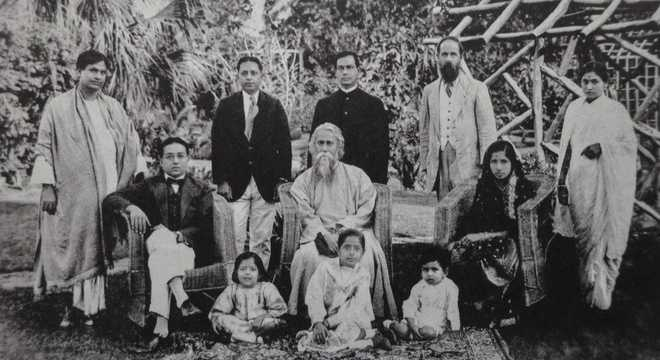 Rabindranath Tagore and CF Andrews in the Sarabhai home. 1920, Courtesy: The Tribune