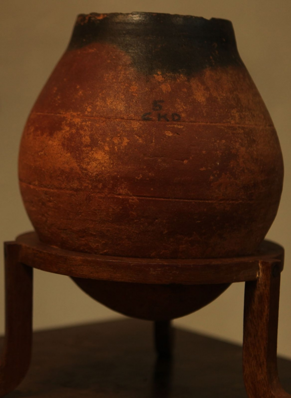 Black and Red Ware, Chekkad, kept at the Shaktan Tampuran Museum, Thrissur Courtesy: Jaseera C.M.2018