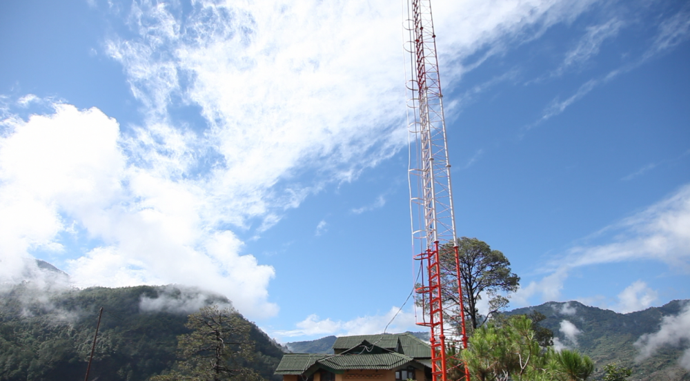 Fig. 1. The Mandakini ki Awaaz community radio station is nestled in the Garhwal hills. Government guidelines stipulate that the broadcast range for Indian community radio stations can be only between 5–10 km. For community radio stations broadcasting in hilly regions, it can often become difficult to realise the full transmission range because of hill/mountain ranges that often block the transmission in certain parts  (Photograph by Shweta Radhakrishnan)
