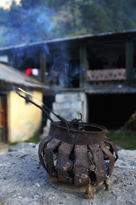 Fig4: A choten used to burn shukpa. According to Tibetan belief, the burning of shukpa helps ward off negative energies