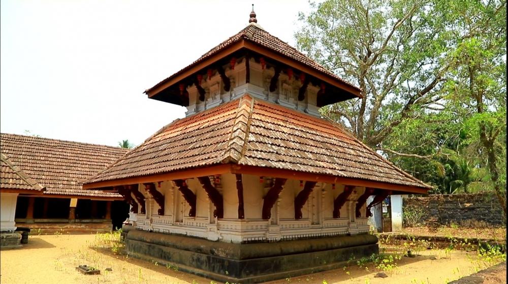 Koippally Kāvu (temple), Vanneri, Malappuram. Image Courtesy: Sudheer Kailas.