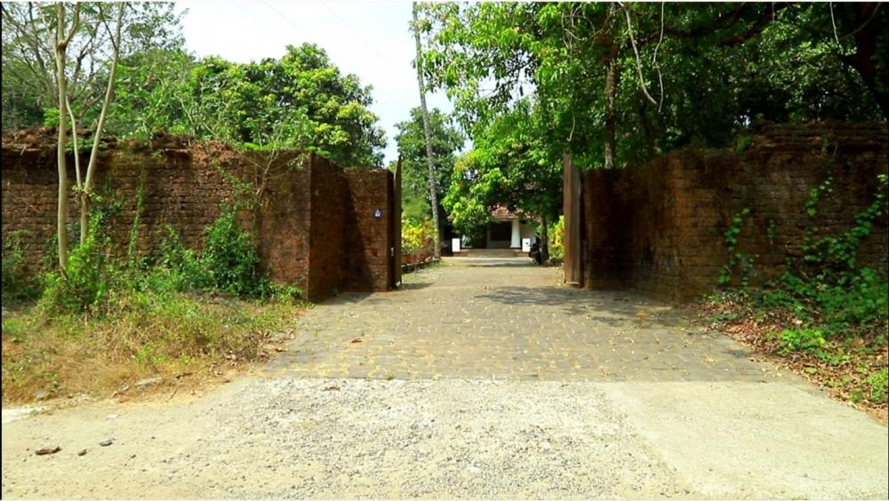 Entrance to the Vellarappilly Palace, Ernakulam. Image Courtesy: Sudheer Kailas.