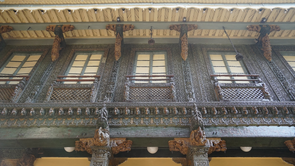 Fig. 8: Intricate woodcarvings at Mangaldas ni Haveli. (Courtesy: Ashna Patel)