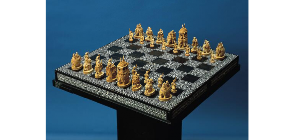 Fig.5.Chess set, possibly from the Delhi–Punjab region dating back to the19th century. The pieces are made of ivory. (Courtesy: Norton Simon Museum, Pasadena)