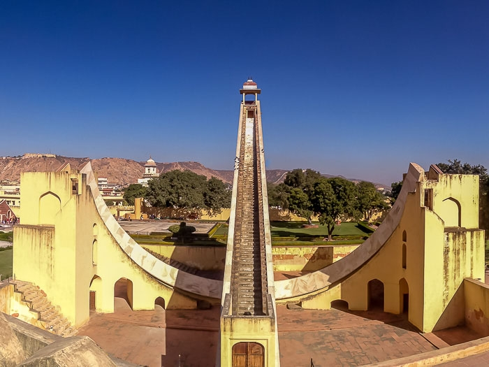 Fig.1: The Samrat Yantra is a large dhoopghadi built at the Jantar Mantar in Jaipur. Its huge gnomon casts a shadow on its curved, calibrated base, enabling one to tell the solar time