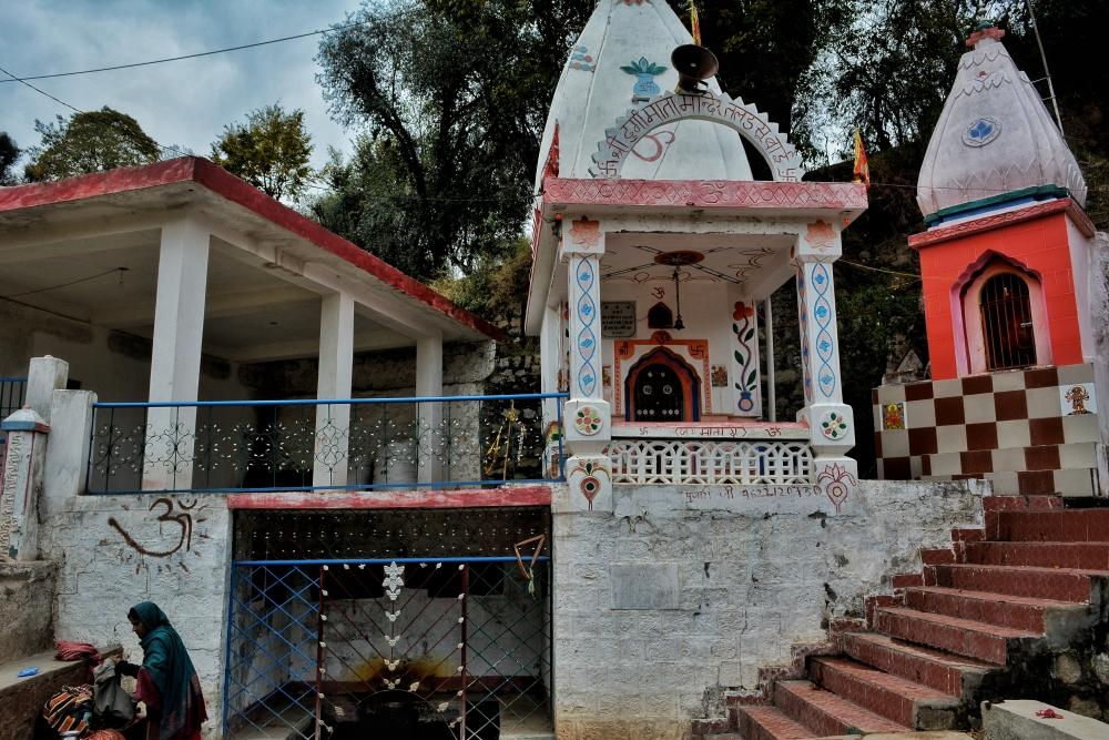 (चित्र–4प्रस्तुत चित्र उधमपुर में स्थित तलडसू बावली का है, चित्र सौजन्य– अभिनव बहल, दिसम्बर२०२०)