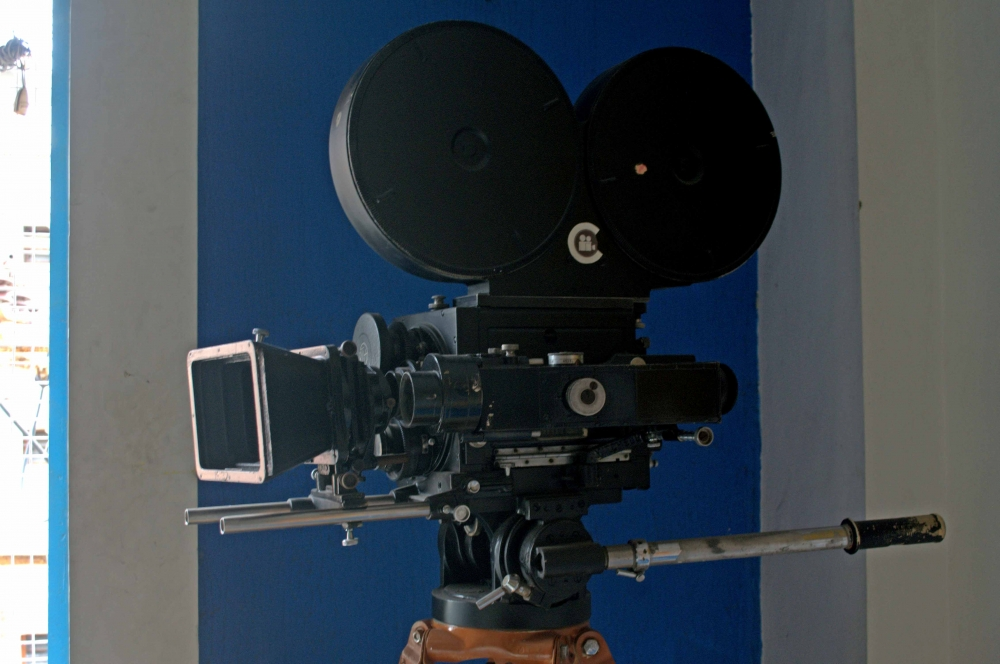 Fig. 4. An American Mitchell Camera at the SICA (Southern Indian Cinematographers Association) office (Courtesy: Senjuti Mukherjee)