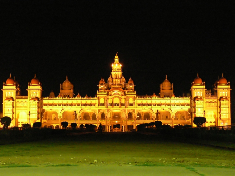 Mysore Palace, Mysore Palace dasara, Mysore Palace lit up, Courtesy: Pixabay