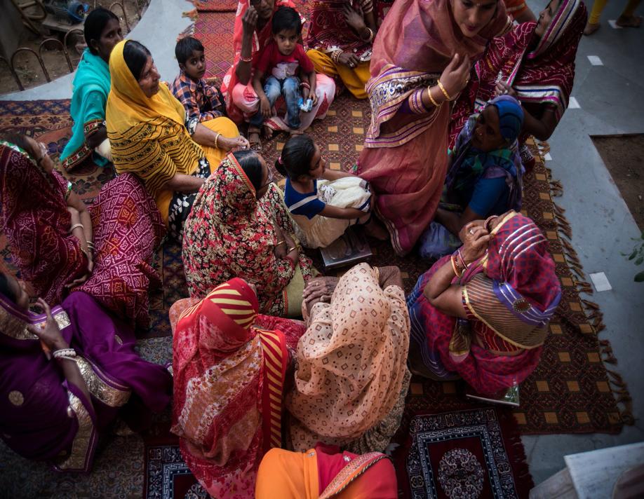Fig. 1: Women gather for ritual singing at a wedding in an Oswal family in Sadulpur, Rajasthan(Courtesy: Vishes Kothari)