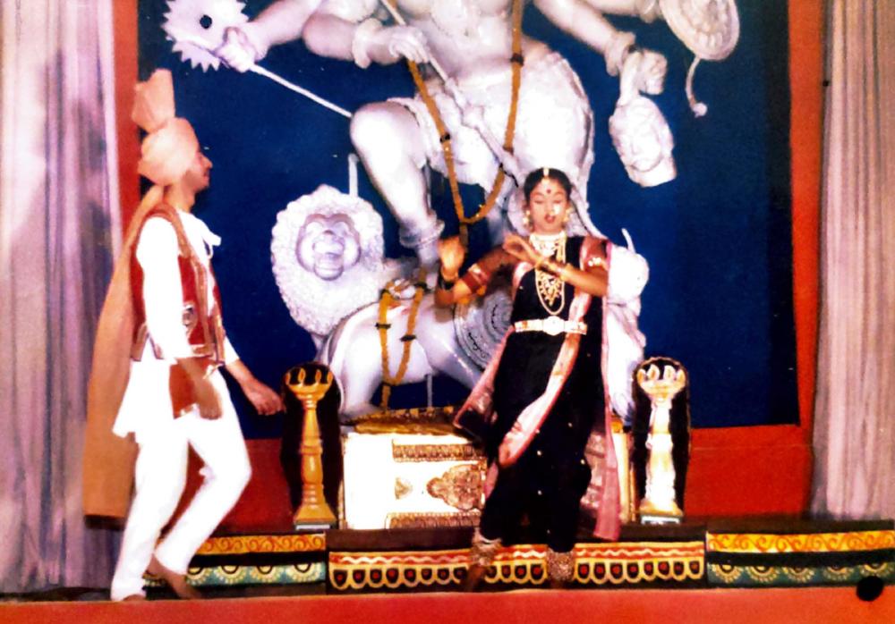 Fig. 3: Artists performing lavani with Goddess Bhavani in the backdrop at a staging of Janata Raja (Photo courtesy: Aishwarya Walvekar)