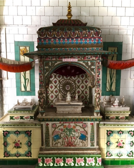 Fig. 3: Shrine with Chaumukhi icons of Navpadji Maharaj, Neminathji temple, Azimganj, Murshidabad. (Courtesy: Mrinalini Sil)
