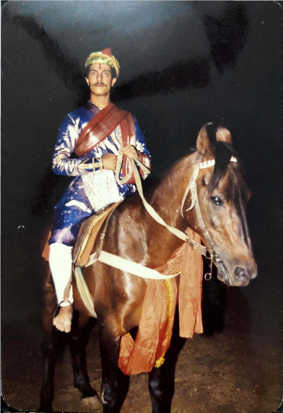 Fig. 5: An artist on a horse playing the character of Chhatrasal BundelainJanata Raja(Courtesy: Aishwarya Walvekar)