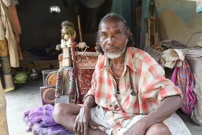 डोमनमुर्मू:पारंपरिकबानामकलाकार(फोटोःरंजीतउरांव,महानंदपुर,उत्तरीदिनाजपुर,प.बंगाल, 24जनवरी2017)