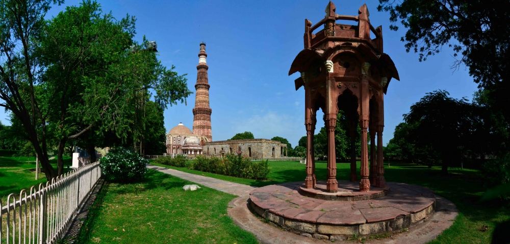 Qutub minar, Qutub complex, courtesy: Ayan Ghosh/Sahapedia