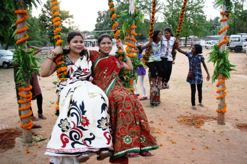 raja parba, female rituals, Courtesy: Rashmirparida/Wikimedia Commons