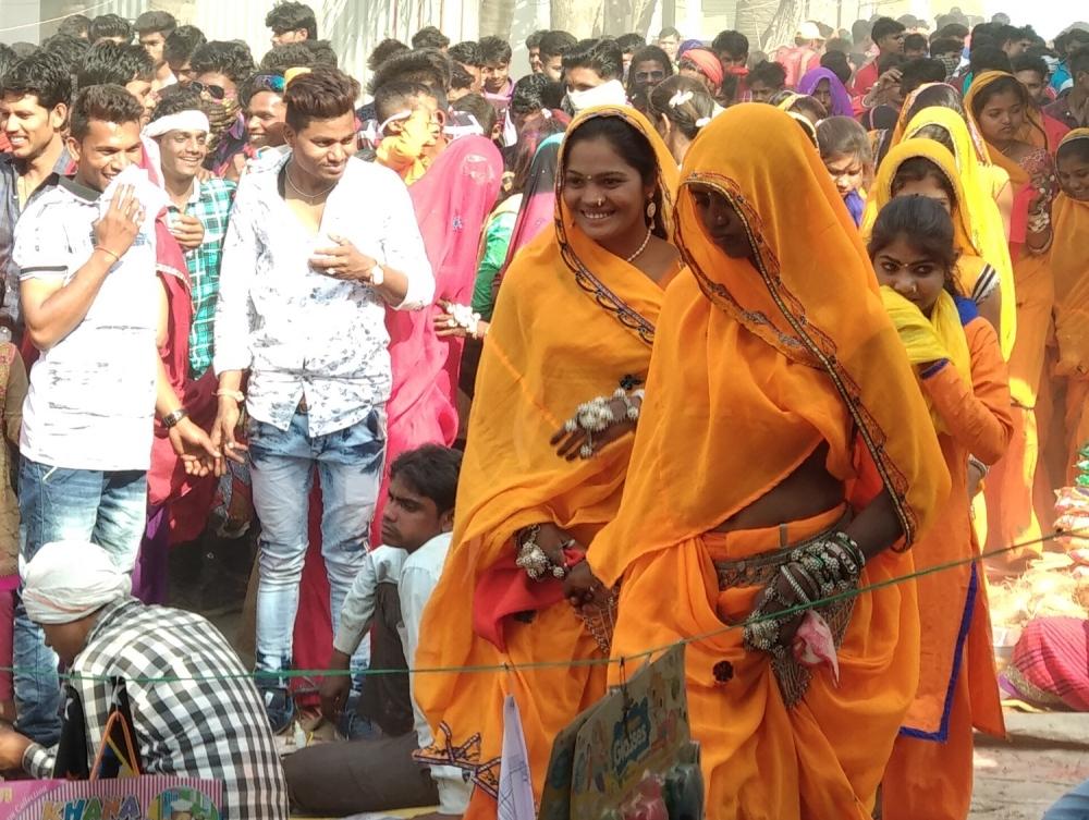 holi rituals, bhagoria, bhagoriya haat, madhya pradesh festivals,
