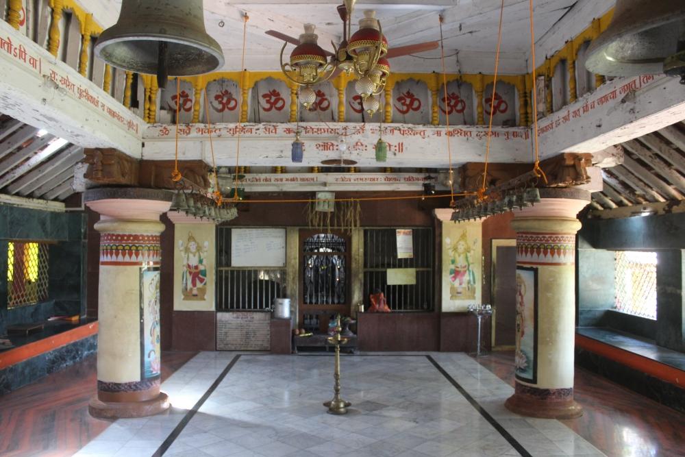 Fig. 8: Shri Keshav Dev temple, Loliem. View of thesabhamandapa