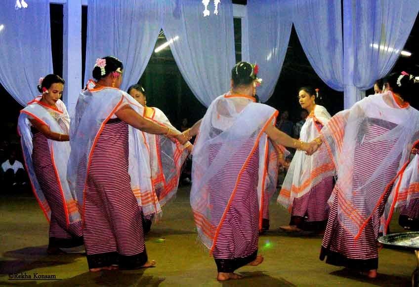 Fig.1A dance presentation by a group of women at the shrine of Khunthok-hanbi, Thangmeiband, Imphal, 2008 (Courtesy: ©Rekha Konsam).