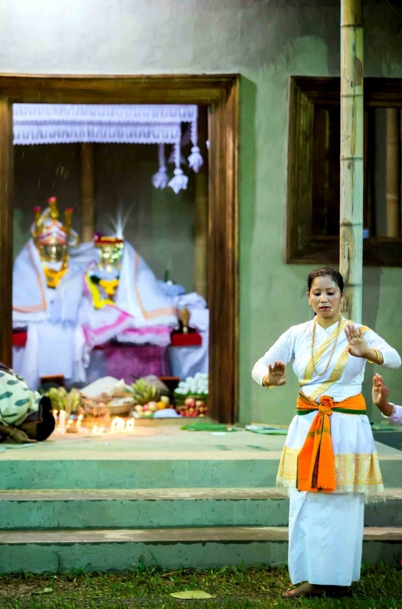 Fig.5A maibi dances in front of the shrine where the sacred images of the deities are seated. Shrine of Marongkhong Chindrensana Pakhangba, Govt. Dance College (Nartanalaya), Imphal 2017 (Courtesy: ©Soibam Pritam Singh).
