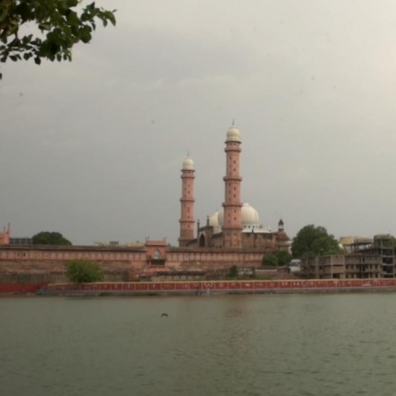 A view of Taj-ul-Masajid, the largest mosque of India (Courtesy: Vimalesh Ghodeswar)