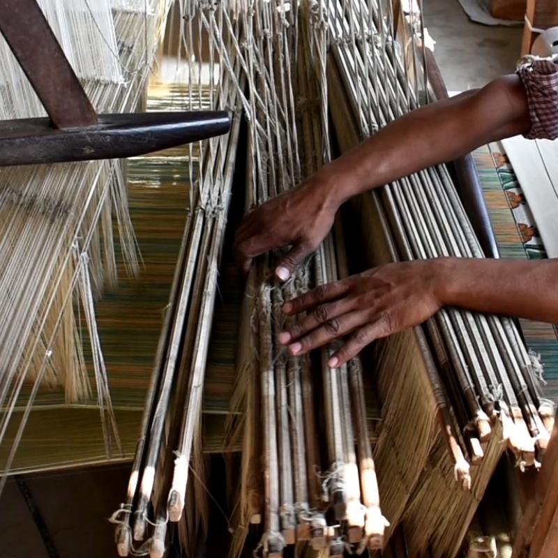 Techniques of Velvet Handloom Weaving | Sahapedia